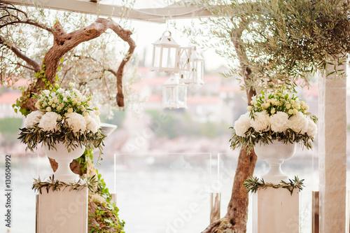 destination wedding ceremony arch