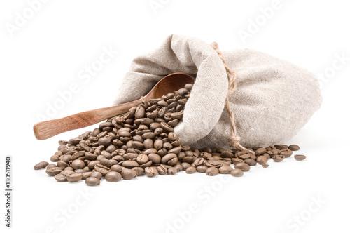 Papiers peints Café en grains Brown coffee beans isolated on a white background cutout