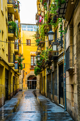 Fototapety, obrazy: view of a narrow street situated in the historical centre of spanish city Valencia