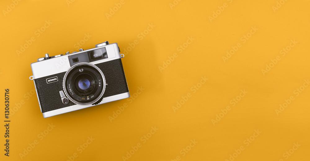 Fototapeta Retro camera header with copy space