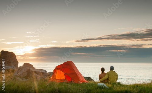 Poster Camping couple camping with tent near seaside
