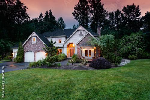 Fotografie, Obraz  Home lights shine at twilight