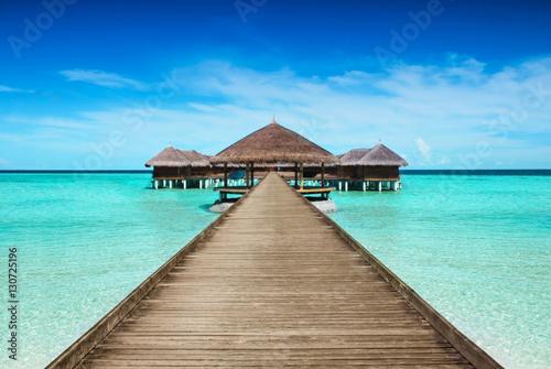 Fotografia  Resort mit Bootssteg im Urlaub auf Malediven