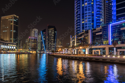 Photo  Dubai marina in the UAE