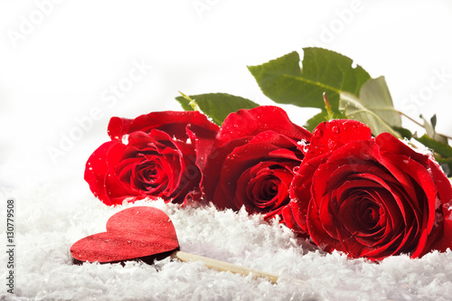 Staande foto Roses Roses for Valentine tag and love heart on white background