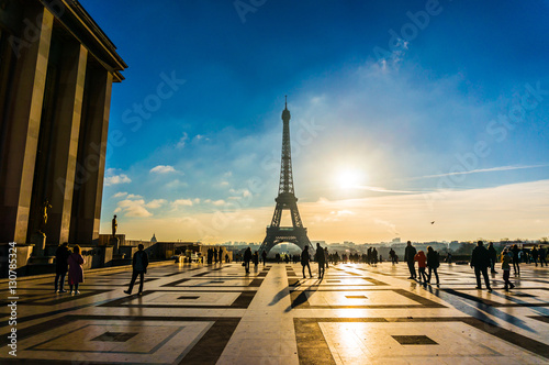 Deurstickers Eiffeltoren Eiffel Tower Sunrise Trocadero in Paris, France