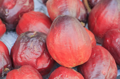 Fotografía  Pomerac or Malay Apple or mountain apple or rose apple on sale in market