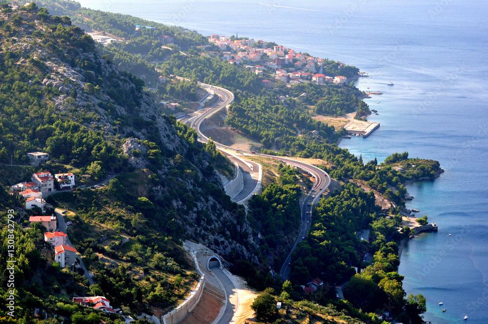Fototapety, obrazy: Chorwacja - droga nad brzegiem w okolicach miasta Omiś