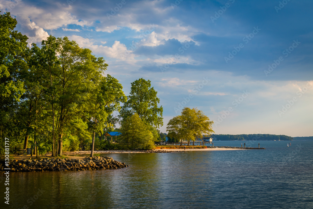 Fototapety, obrazy: Lake Norman, at Ramsey Creek Park, in Cornelius, North Carolina.