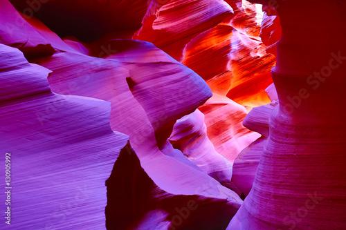 Staande foto Rood paars Antelope canyon