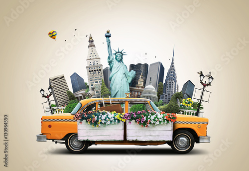 Foto op Plexiglas New York TAXI USA, classic yellow Тew York taxi and landmarks