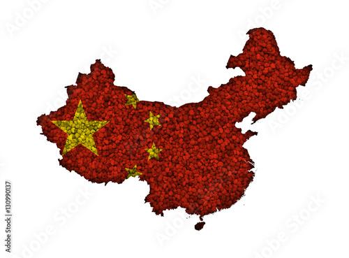 Tuinposter China Karte und Fahne von China auf Mohn