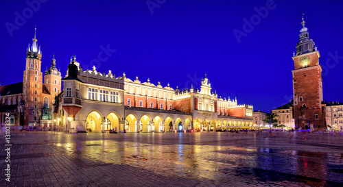 Poster Cracovie Panoramic view of Krakow Old Town Main Square, Poland