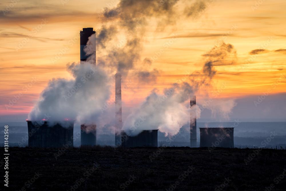 Fototapeta Dymiące kominy elektrowni na Górnym Śląsku