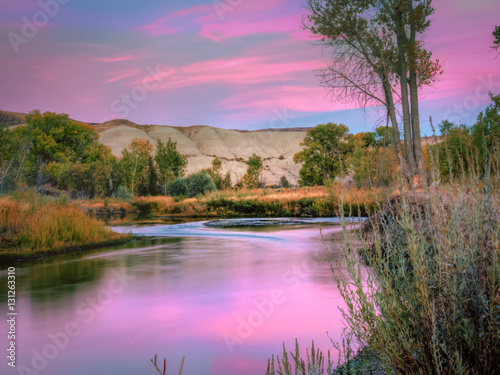 Fotobehang Purper Truckee River