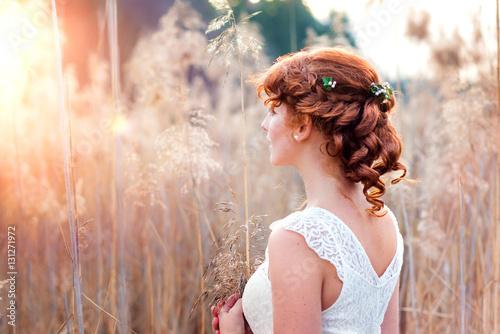 Leinwand Poster Natürliches romantisches Make-up und Styling für eine Hochzeit
