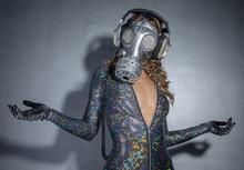 Sparkle Gasmask Dancer
