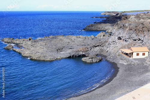 Tuinposter Canarische Eilanden Volcanic coast on La Palma Island, Canary Islands, Spain