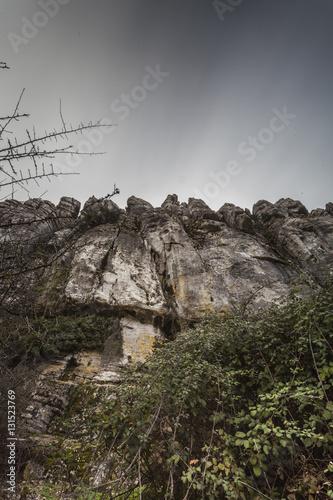 Foto op Aluminium Grijze traf. paisaje rocoso y cielo