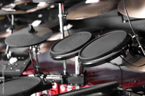 Spoed Foto op Canvas Muziekwinkel Drums accessories in music shop