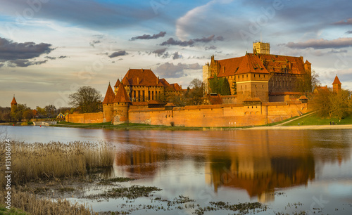 Deurstickers Dam Teutonic Castle in Malbork (Marienburg) in Pomerania (Poland)