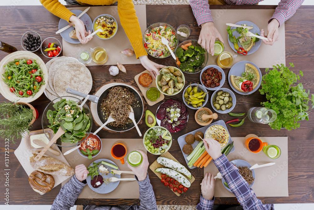 Fototapety, obrazy: People having veg meal