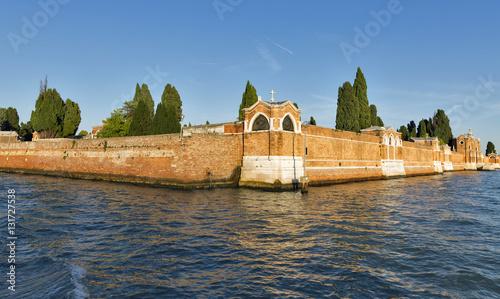 Photo sur Toile Cimetiere San Michele cemetery, Venice, Italy.