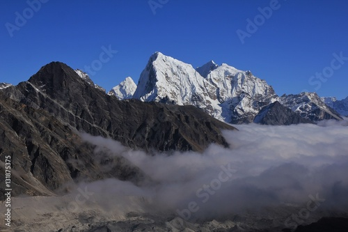 Fotografie, Obraz  Snow capped Mt Cholatse