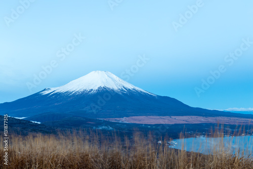 Foto auf Gartenposter Reflexion Mt.Fuji and Lake Yamanakako. Shot in the early morning.The shooting location is Lake Yamanakako, Yamanashi prefecture Japan.