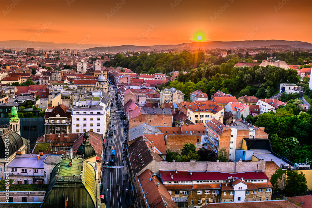 Fototapety, obrazy: Zagreb aerial downtown cityscape. / Aerial view on Zagreb downtown during sunset, popular touristic destination and capital city of Croatia, Europe.
