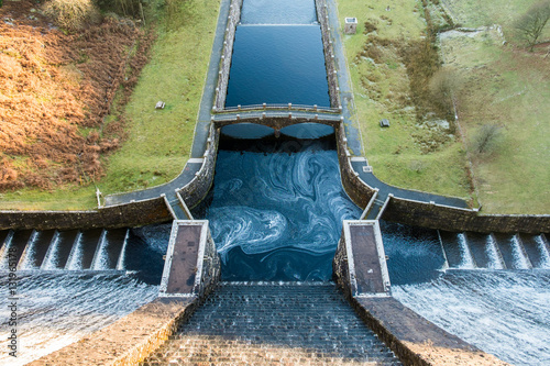 Tuinposter Dam Looking down from top of Claerwen Dam in the Elan Valley of Wales, UK.