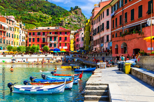 Photographie  View of the old Vernazza village, Cinque Terre, Italy.