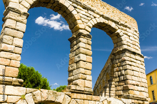 Fotomural  roman acqueduct in Segovia near Madrid, Spain