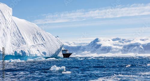 Photo Stands Antarctic Schiff in der Antarktis