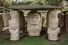 Ancient Pre-columbian Tomb Sta...