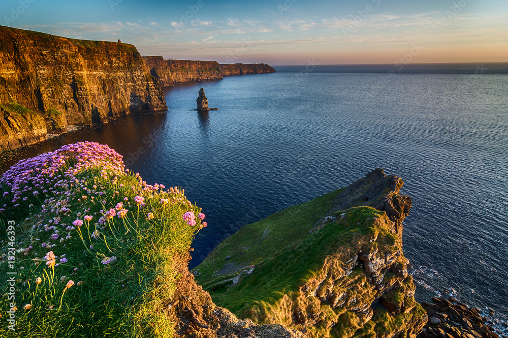 Fototapety, obrazy: Ireland countryside tourist attraction in County Clare. The Cliffs of Moher and castle Ireland. Epic Irish Landscape Seascape along the wild atlantic way. Beautiful scenic nature hdr Ireland.
