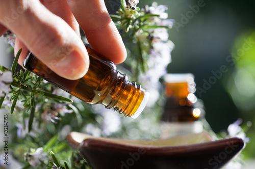 Fotografie, Obraz  préparation avec des huiles essentielles
