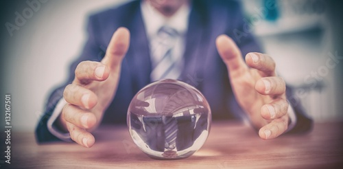 Fotografía  Businessman forecasting a crystal ball