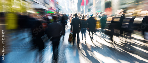 obraz dibond crowd of people on shopping street