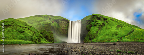 Spoed Foto op Canvas Watervallen Skogafoss waterfall panorama in southern Iceland from above