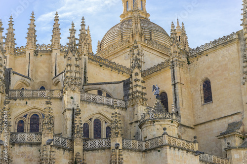Artistique Exterior of the cathedral with pinnacles and gothic vaults, City
