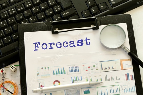 Cuadros en Lienzo forecast - message on financial data chart with magnifier and keyboard