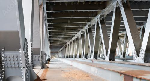 Photo sur Toile Pont Bridge construction. Metal framework of the bridge