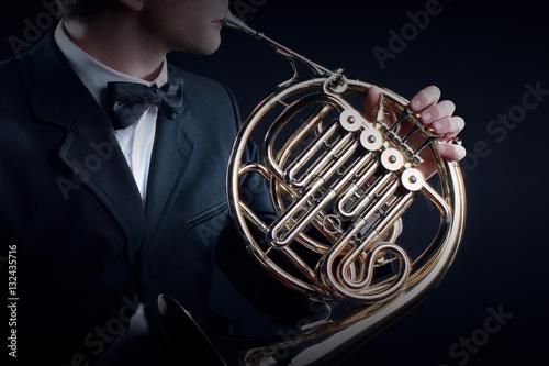 Fond de hotte en verre imprimé Musique French horn musical instruments
