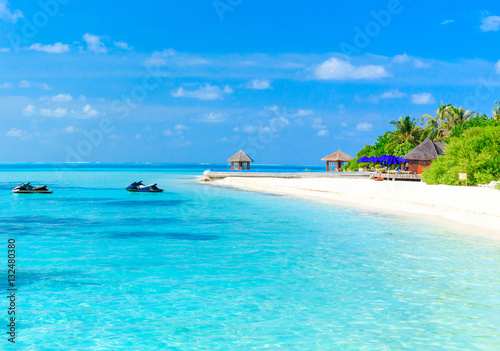 Photo Stands Turquoise tropical beach in Maldives