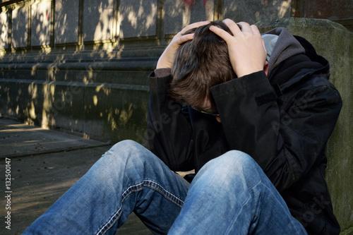 Canvas Print adolescent triste extérieur