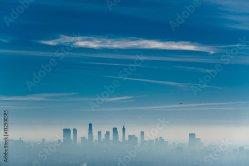 Staande foto Los Angeles Los Angeles misty skyline, California, USA