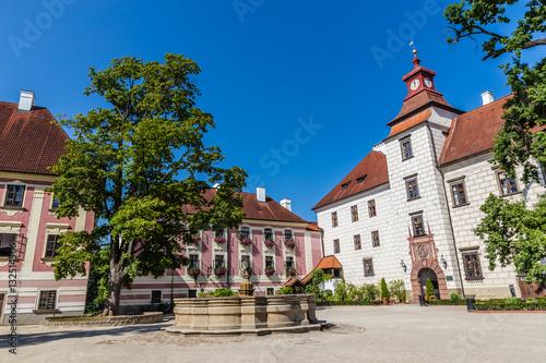 Spoed Foto op Canvas Theater Trebon Castle And Fountain- Trebon, Czech Republic