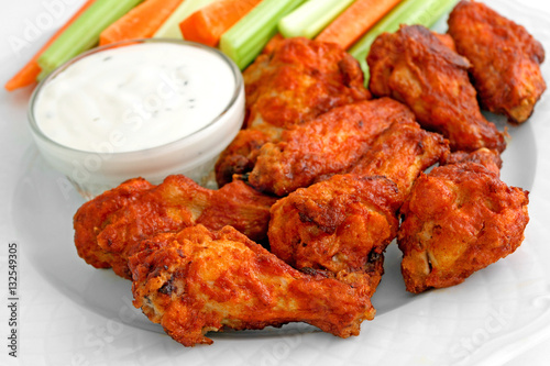Photo sur Toile Assortiment Buffalo chicken wing appetizer plate
