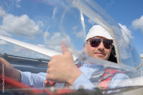 Plakát  co-pilot ready for take off in glider